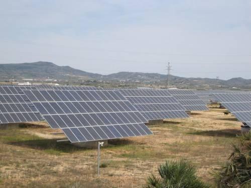 Painéis Solares aplicados em usina solar