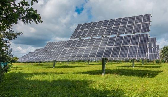Placa solar em sistema fotovoltaico